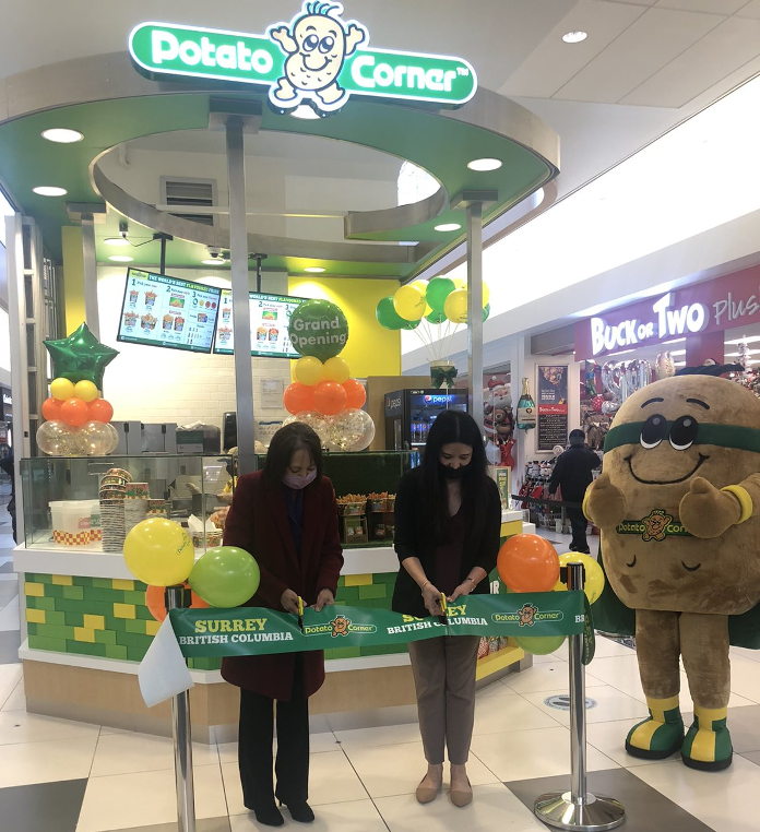 PHILIPPINE CONSULATE GENERAL ATTENDS THE GRAND OPENING OF THE SECOND POTATO CORNER STORE IN BRITISH COLUMBIA